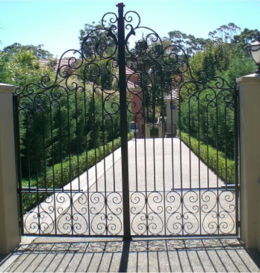 Wrought Iron Gates 529 x 555 · 96 kB · jpeg